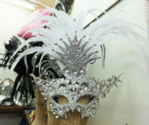 J030  Crystal Feather Mask