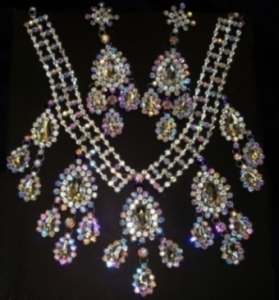 J069 Crystal Necklace and Earrings