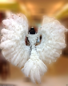 B043W Gigantic White Ostrich Feather Angel Wings