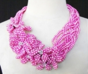 J013  Pink Pearl Necklace
