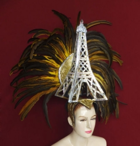 087G La Tour Eiffel dame de fer Paris France Eiffel Tower Showgirl Headdress