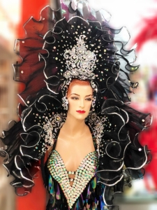 H910 Waterfall Queen Backpiece Headdress